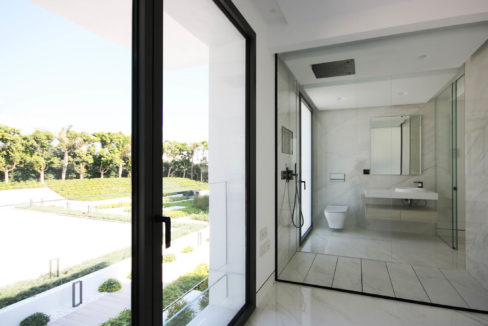 EMARE-BATHROOM-2